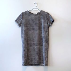 Dresses & Skirts - Grey Plaid Mini Shift Dress ✨